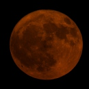 Lune rousse à 3,6° de l'horizon
